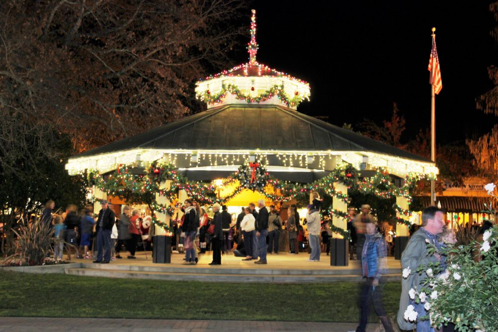 Healdsburg Christmas Festivities Dec 2020 Holiday Evening And Daytime Walking Tours In Healdsburg